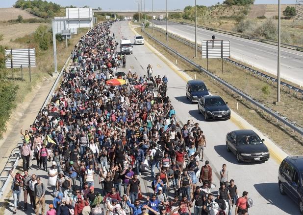 151112_pol_refugee-crisis-crop-promo-xlarge2